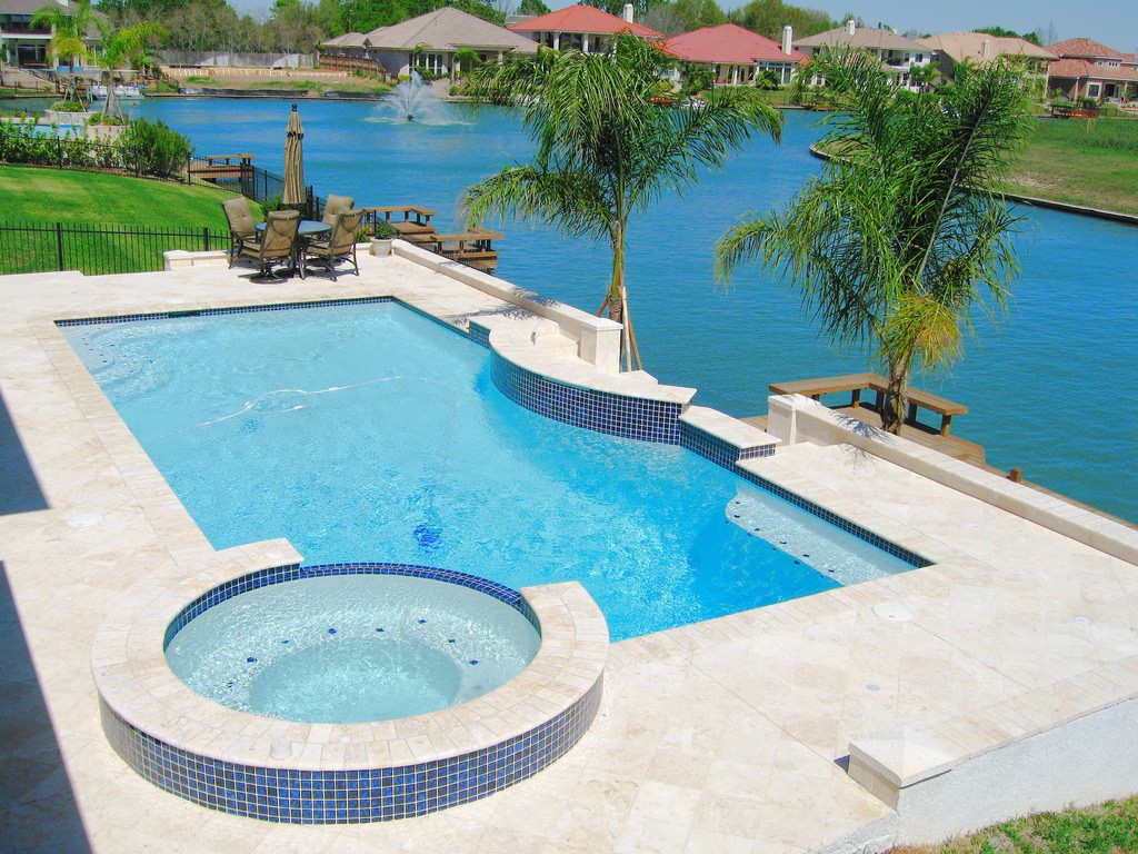 Local pool builder in houston texas 77020 for Local pool builders